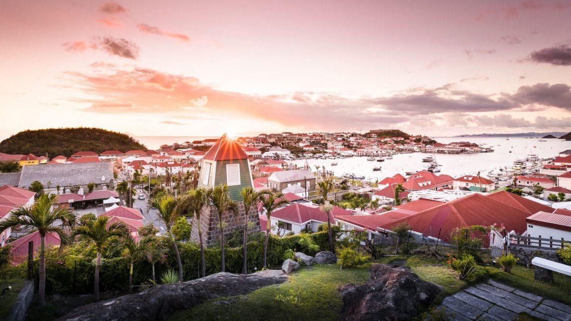 Coucher de soleil sur Gustavia à Saint-Barthélémy