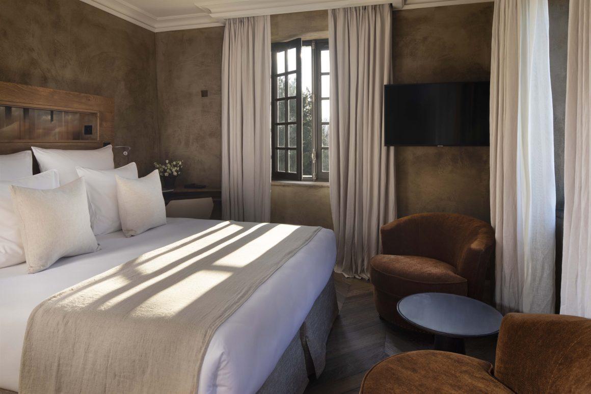 Une chambre de l'hôtel Saint-Delis