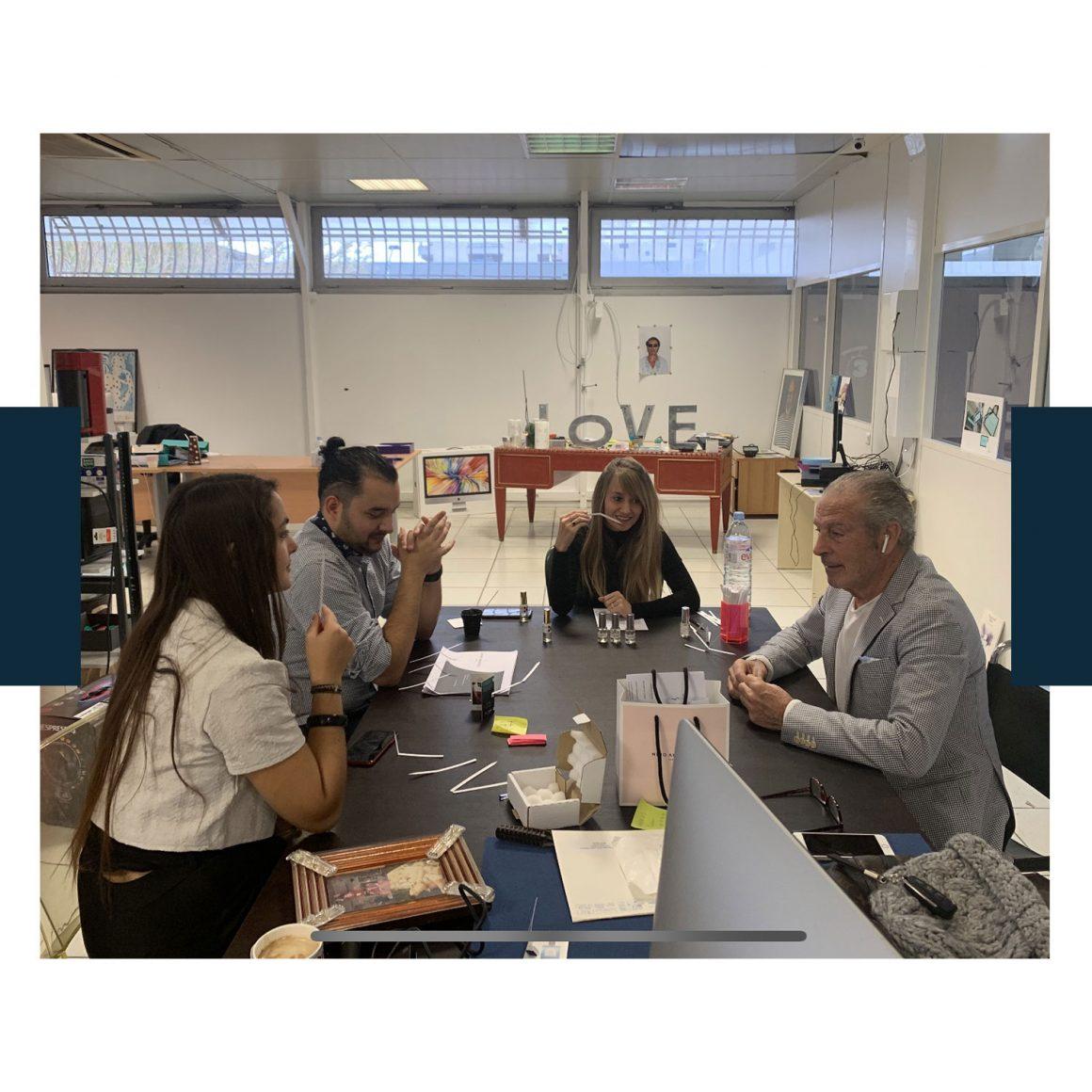 Photo d'une réunion dans les ateliers Nino Amaddeo