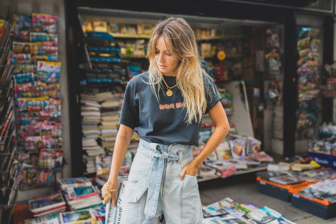 Tee-shirt Anine Bing, short en jean IRO et bijoux Goossens