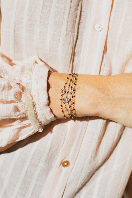 Bracelets en or et perles de résine Gigi Clozeau