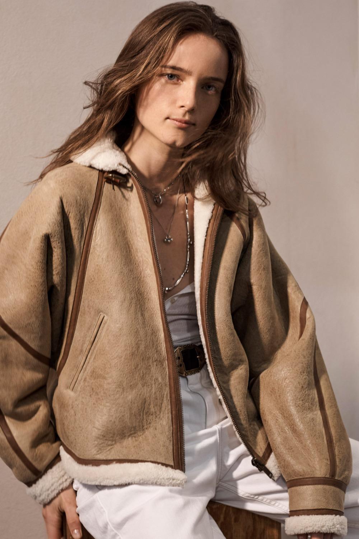 Un manteau lainé de la Collection Hiver 2020 Isabel Marant Étoile