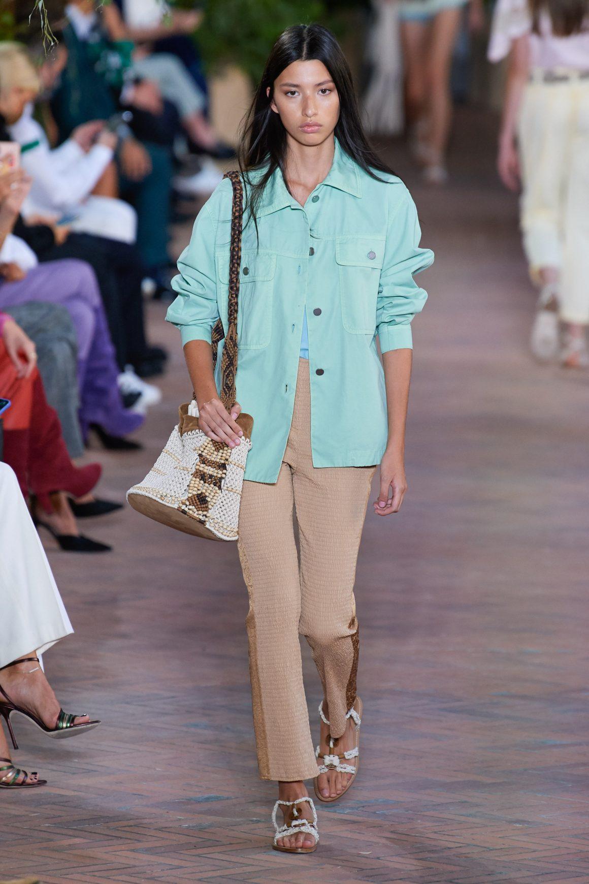 Un look du vestiaire workwear 2021 Alberta Ferretti
