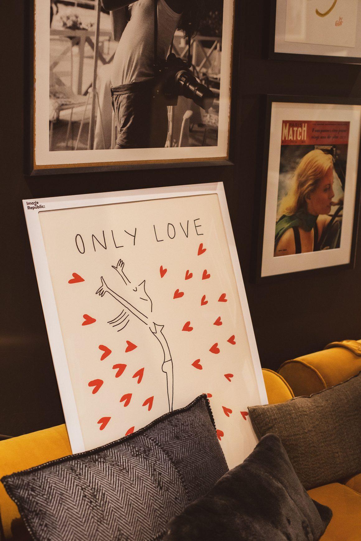 L'illustration Only Love de l'artiste Soledad par Image Republic