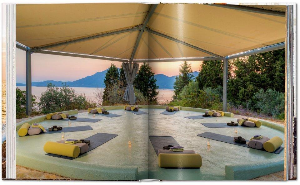 Le livre « Great Escapes Yoga » de Taschen pour une petite séance de relaxation