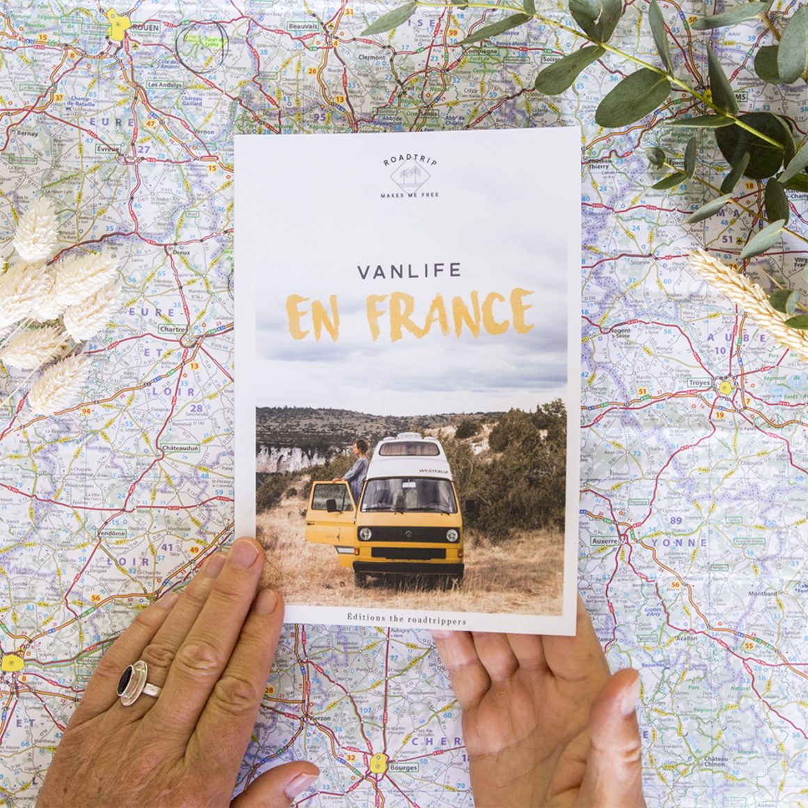 Le livre Van Life en France par The Roadtrippers