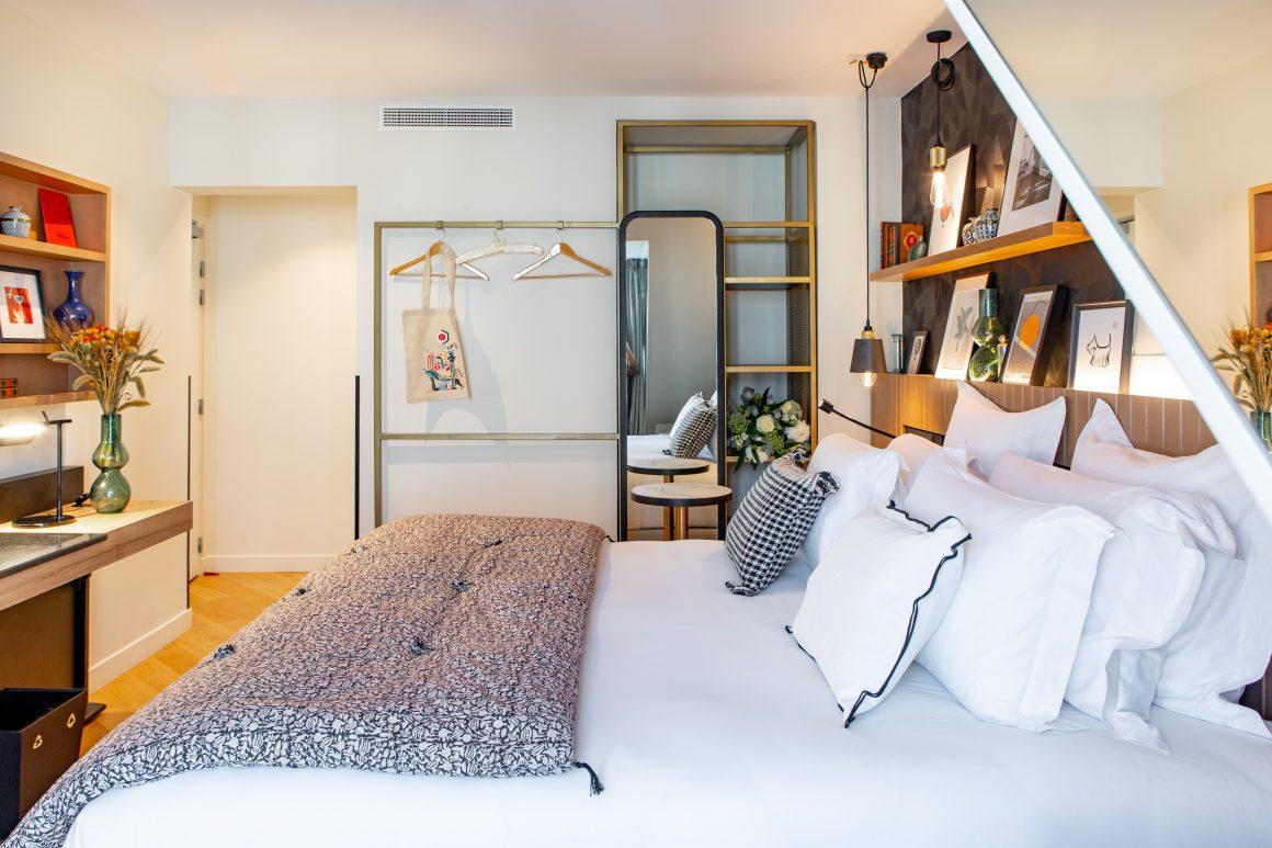 Une chambre de l'hôtel Maison Mère à Paris