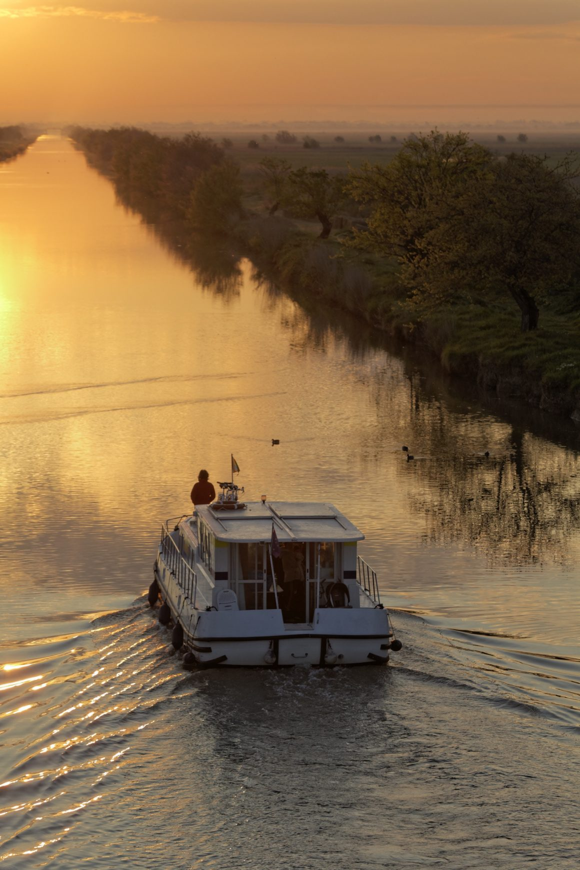 Coucher de soleil sur le canal de Briare