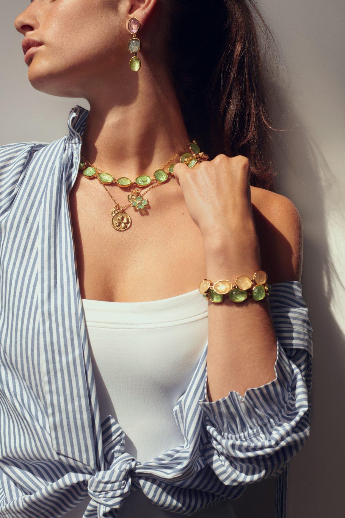 Boucles d'oreilles, colliers et bracelets Goossens