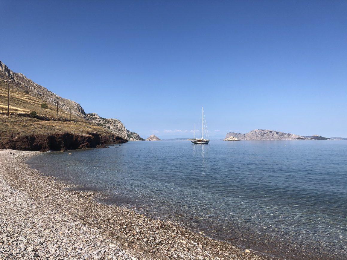 Une plage de l'île Hydra en Grèce