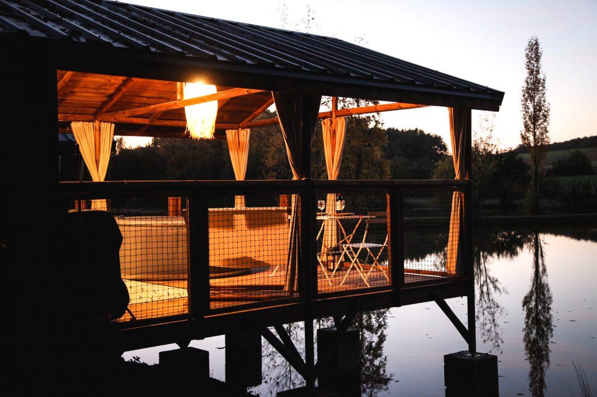 Cabane sur pilotis au Whaka Lodge
